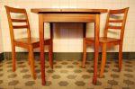 Tisch_und_Stuele_Birnbaum